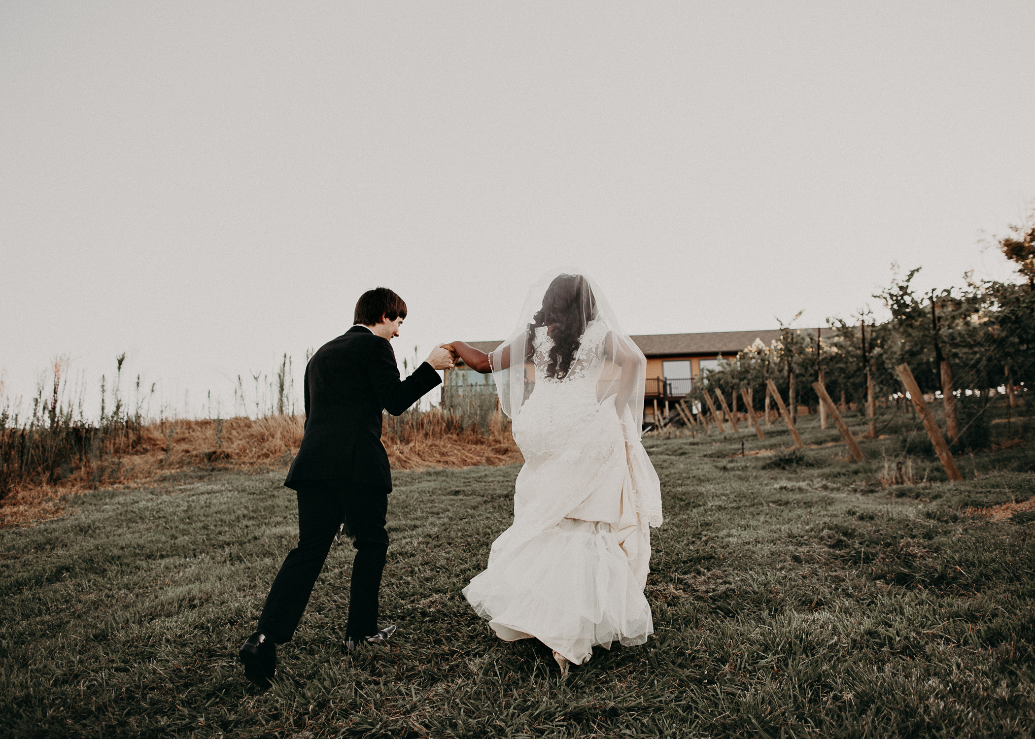 58- Kaya_vineyard_dahlonega_wedding_venue_bride_groom_portraits_aline_marin_photography.jpg