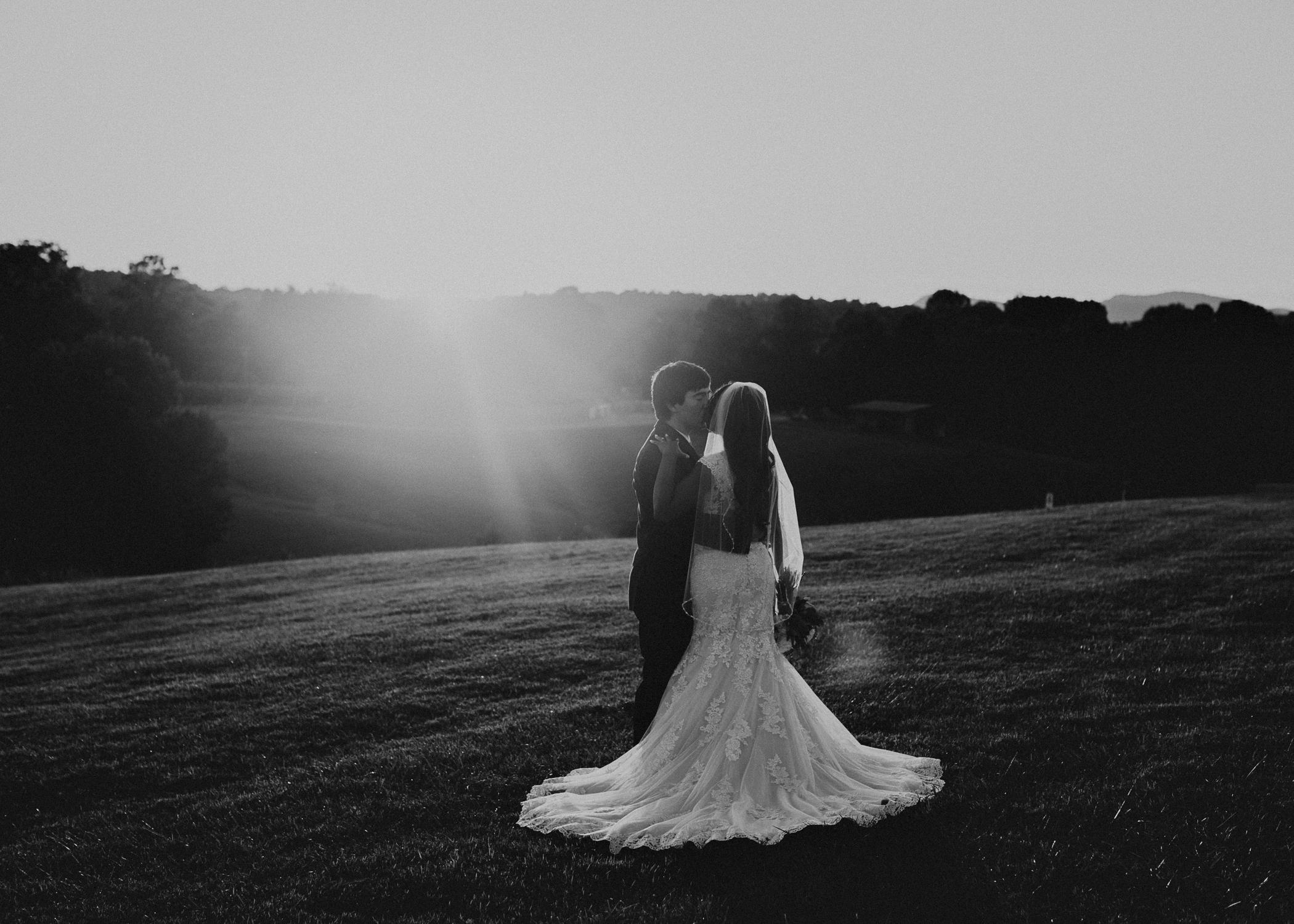 75- Kaya_vineyard_dahlonega_wedding_venue_bride_and_groom_sunset_pictures_aline_marin_photography.jpg