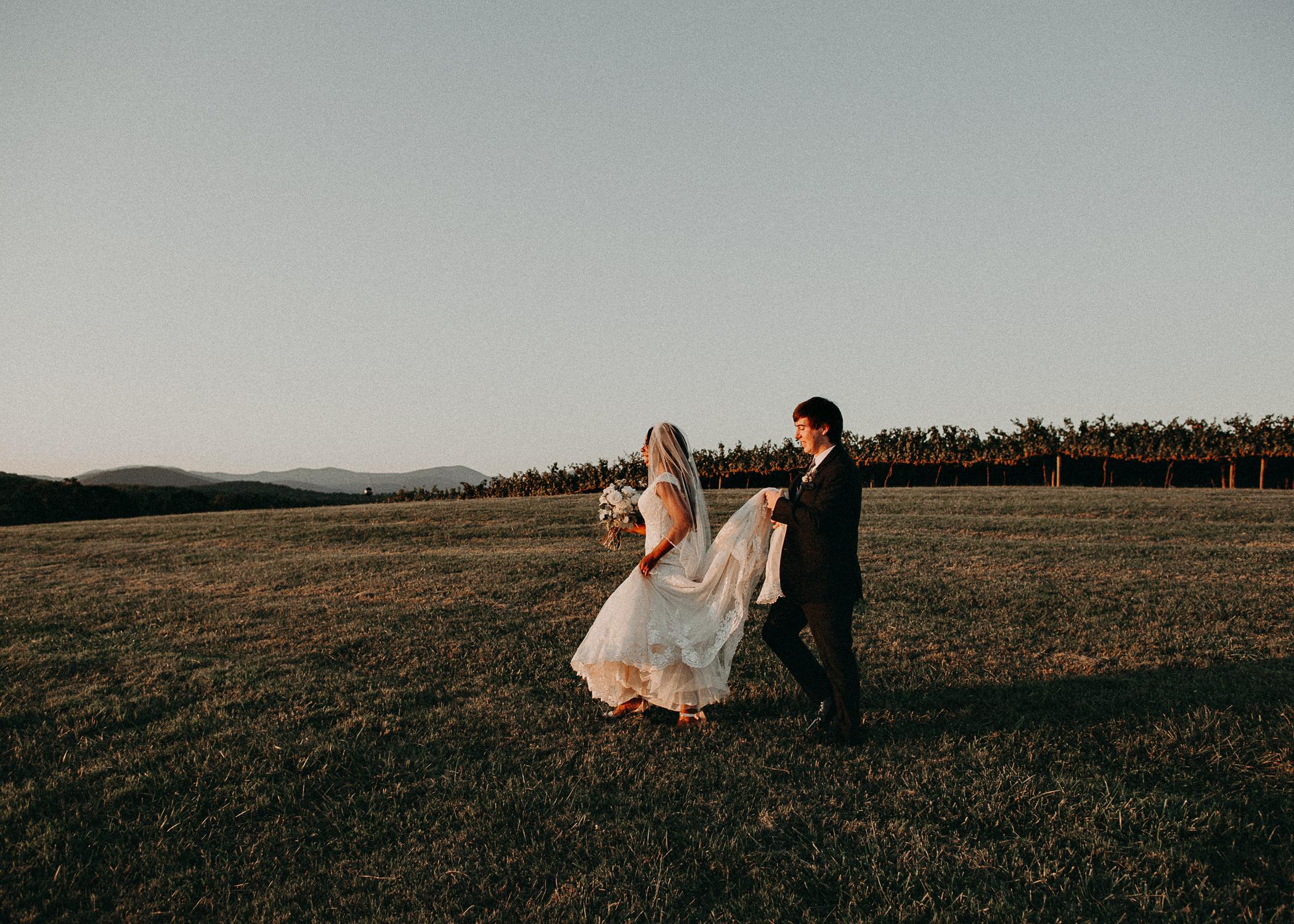 74- Kaya_vineyard_dahlonega_wedding_venue_bride_and_groom_sunset_pictures_aline_marin_photography.jpg