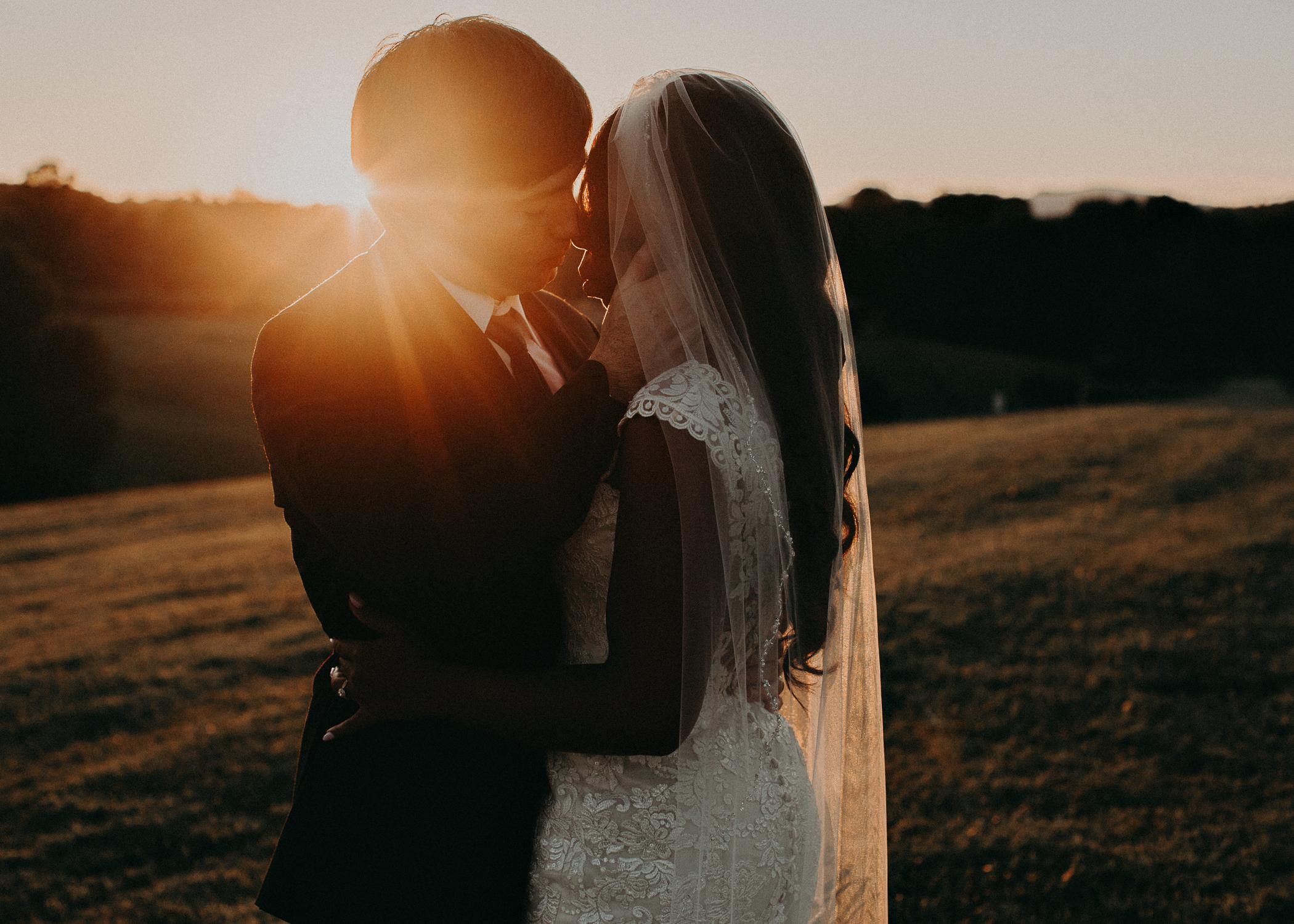 79- Kaya_vineyard_dahlonega_wedding_venue_bride_and_groom_sunset_pictures_aline_marin_photography.jpg