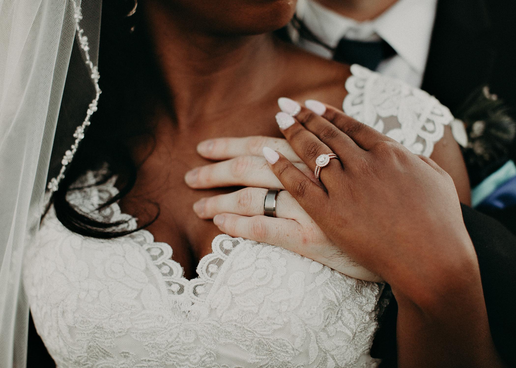 82- Kaya_vineyard_dahlonega_wedding_venue_bride_and_groom_sunset_pictures_aline_marin_photography.jpg