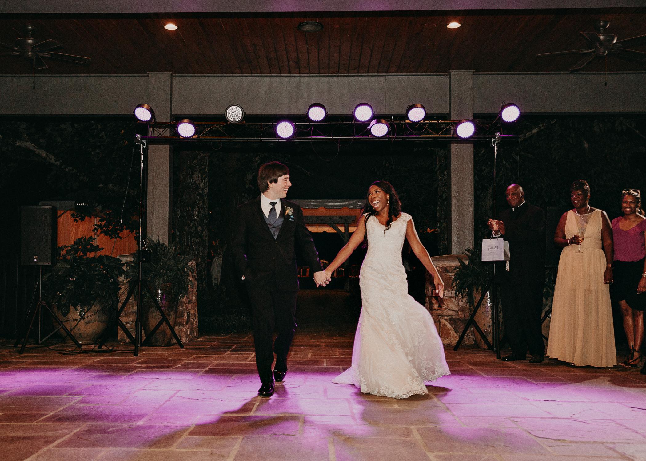 87- Kaya_vineyard_dahlonega_wedding_venue_detais_reception_aline_marin_photography.jpg