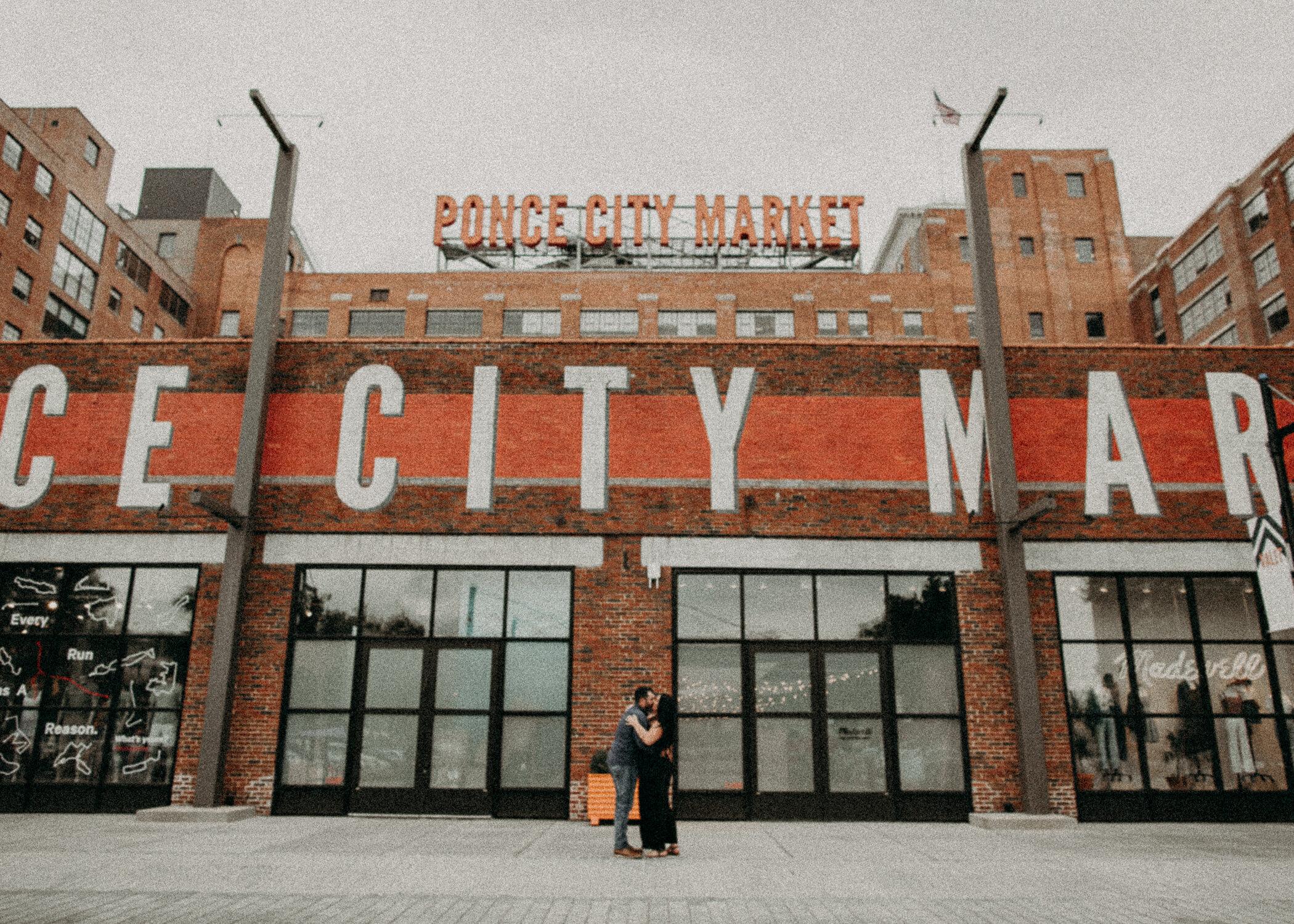 Aline_Marin_Photography_Ponce_City_Market_Atlanta_Ga_Engagement_Session_Ideas-9.jpg