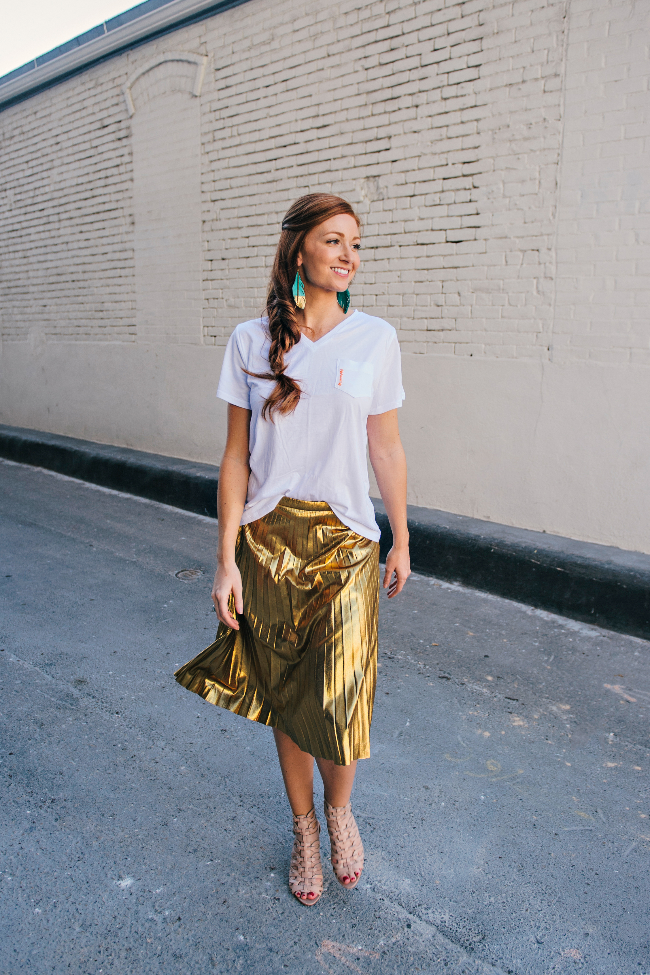 How happy and playful is this look on Lacey with this amazing gold metallic skirt from JCrew and perfect nude gladiator heels?!!It's so fun!