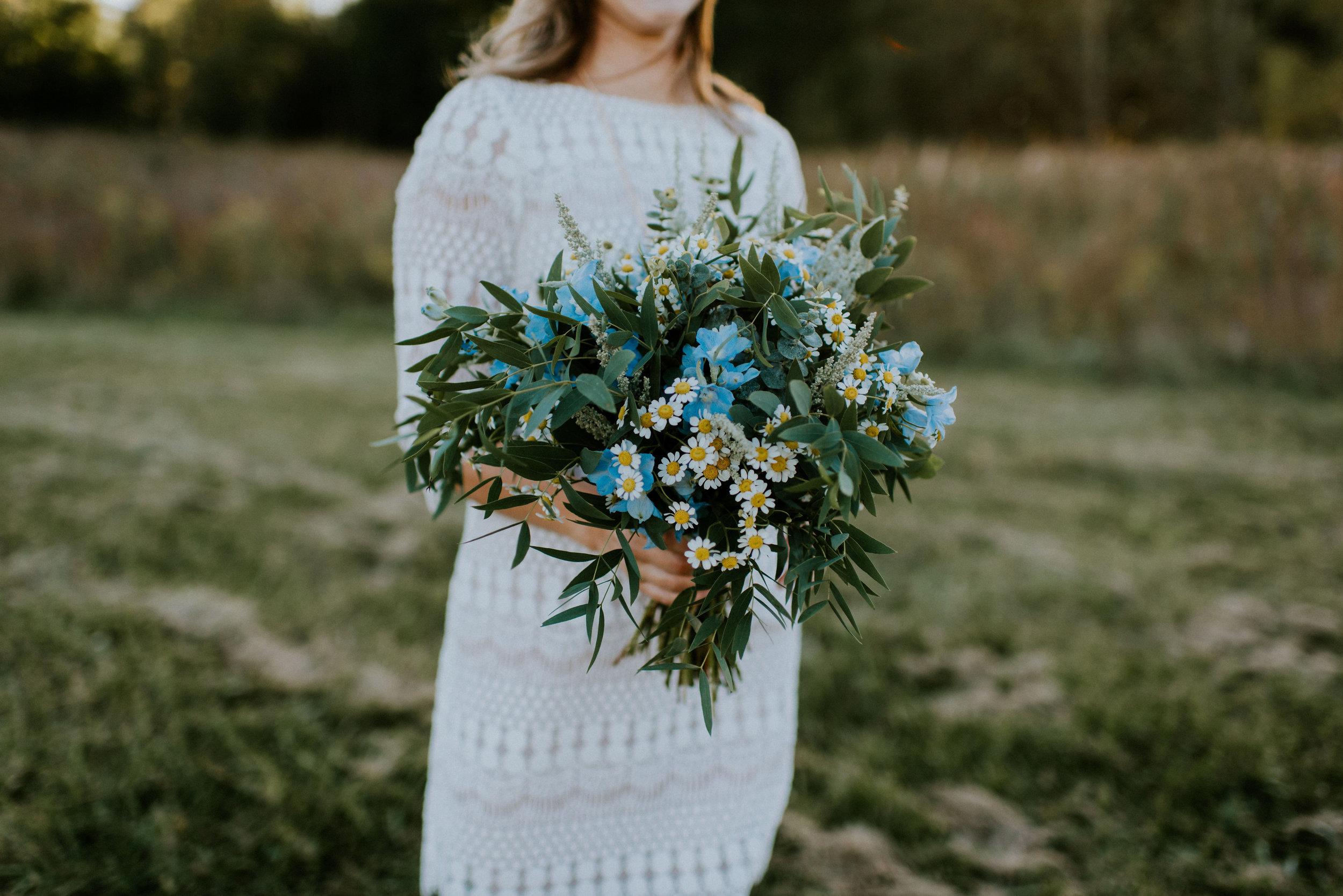 Wildflower-Field-Elopement-Vow-Renewal_Lisa+Chad_MJPHOTO-31.JPG