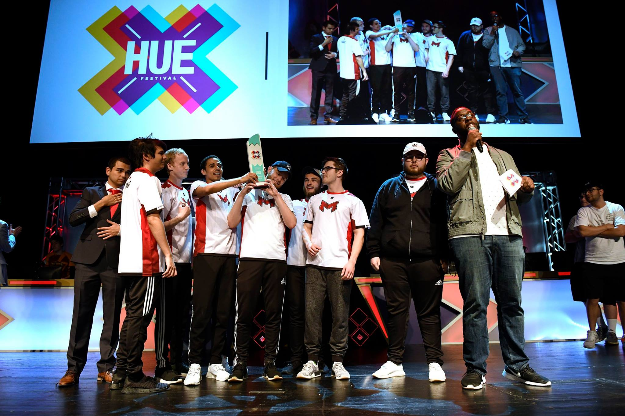 Awarding the HUE Festival Overwatch Champs, Maryville University
