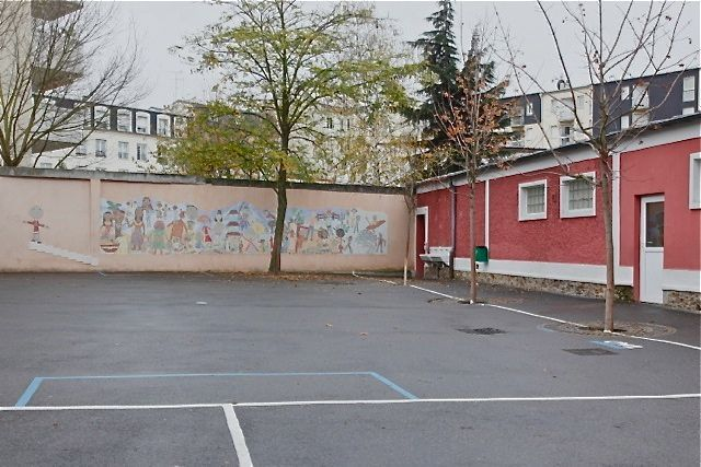 création d'une fresque mosaïque à l'école Ste Geneviève à la Garenne Colombes