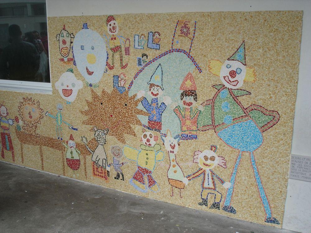 création d'une fresque mosaïque à l'école Notre Dame