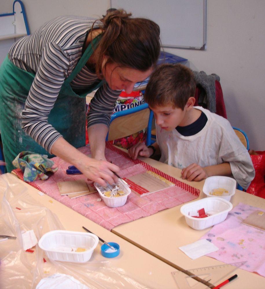 création de tableeaux mosaique à l'école Renan à La Garenne