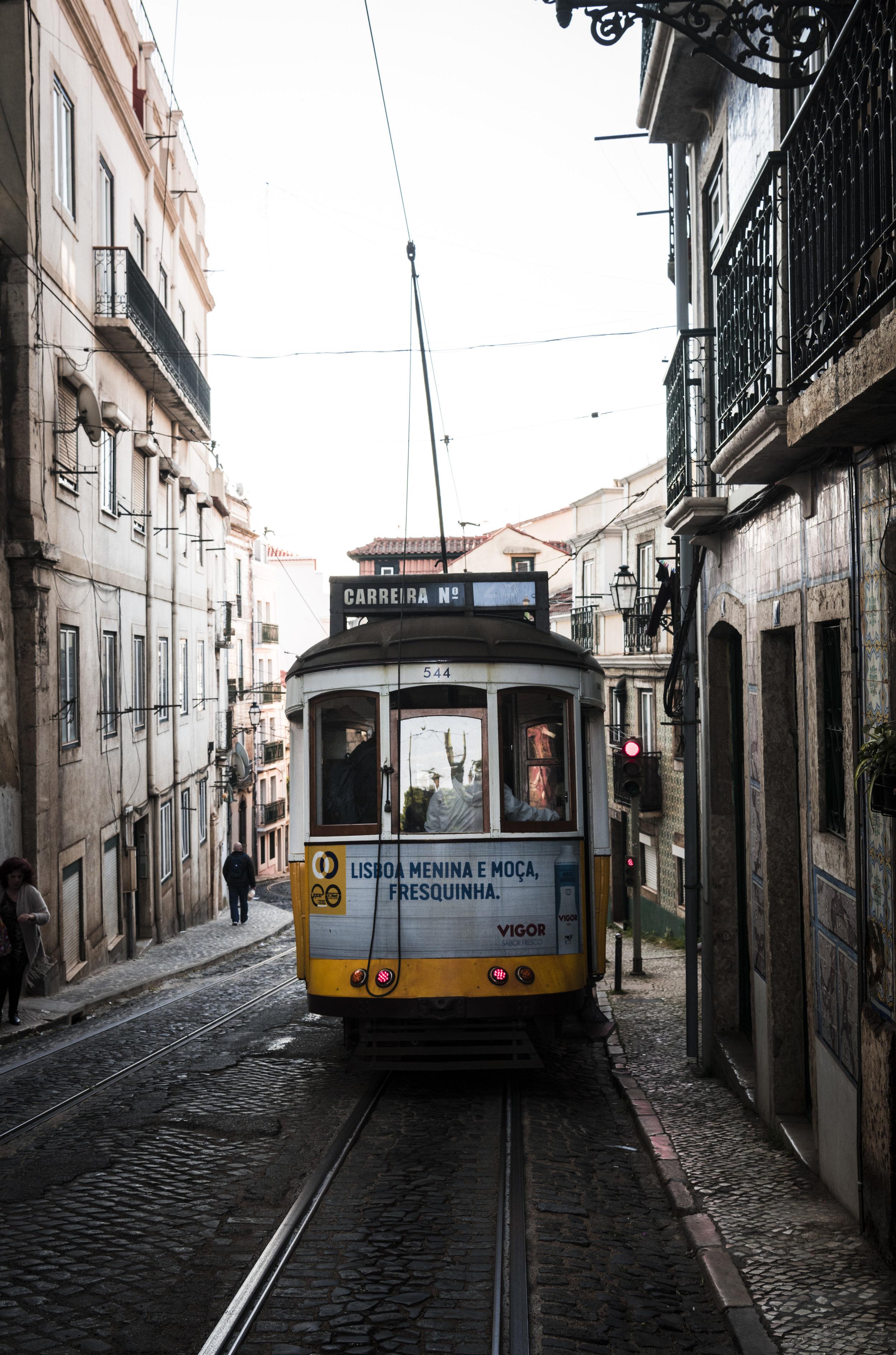 Alfama tram 2.jpg