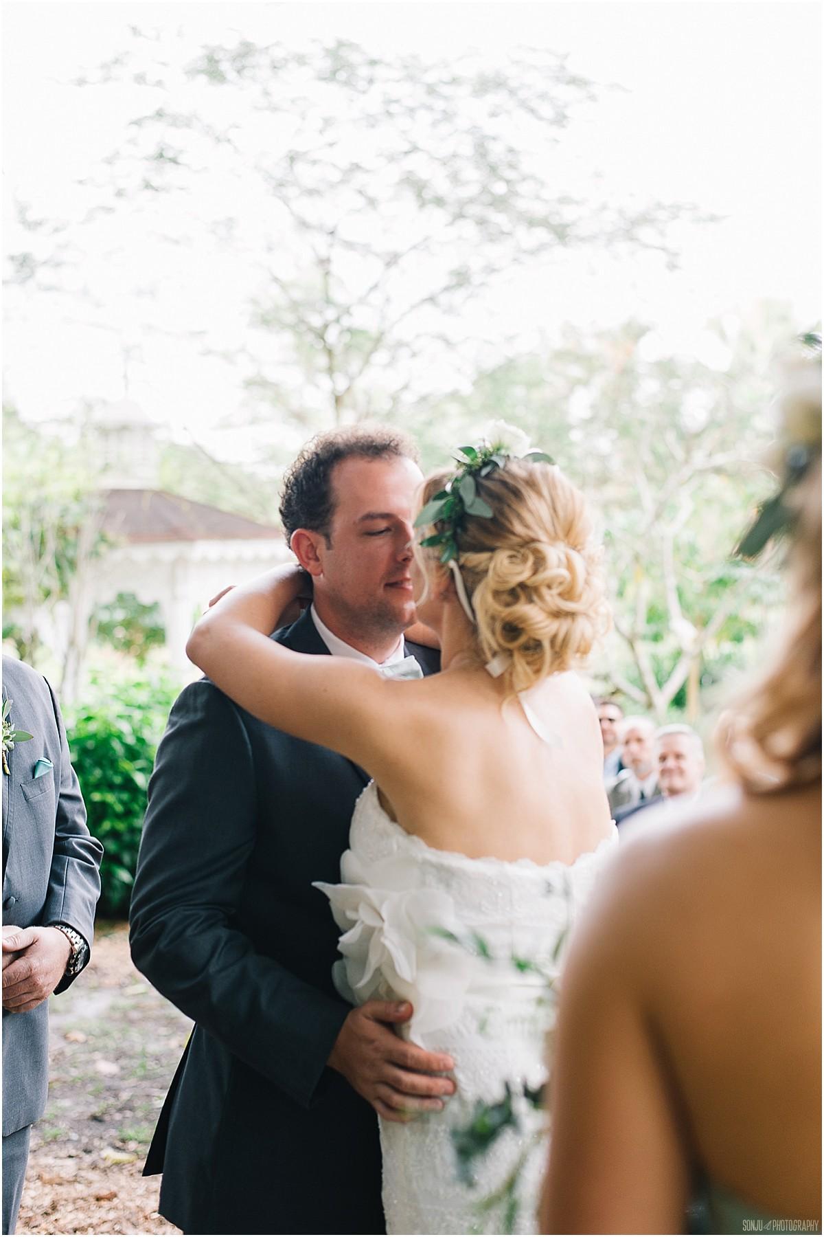 Flamingo-Gardens-Wedding-Photographer-Laura-Shaun-Sonju_0072.jpg