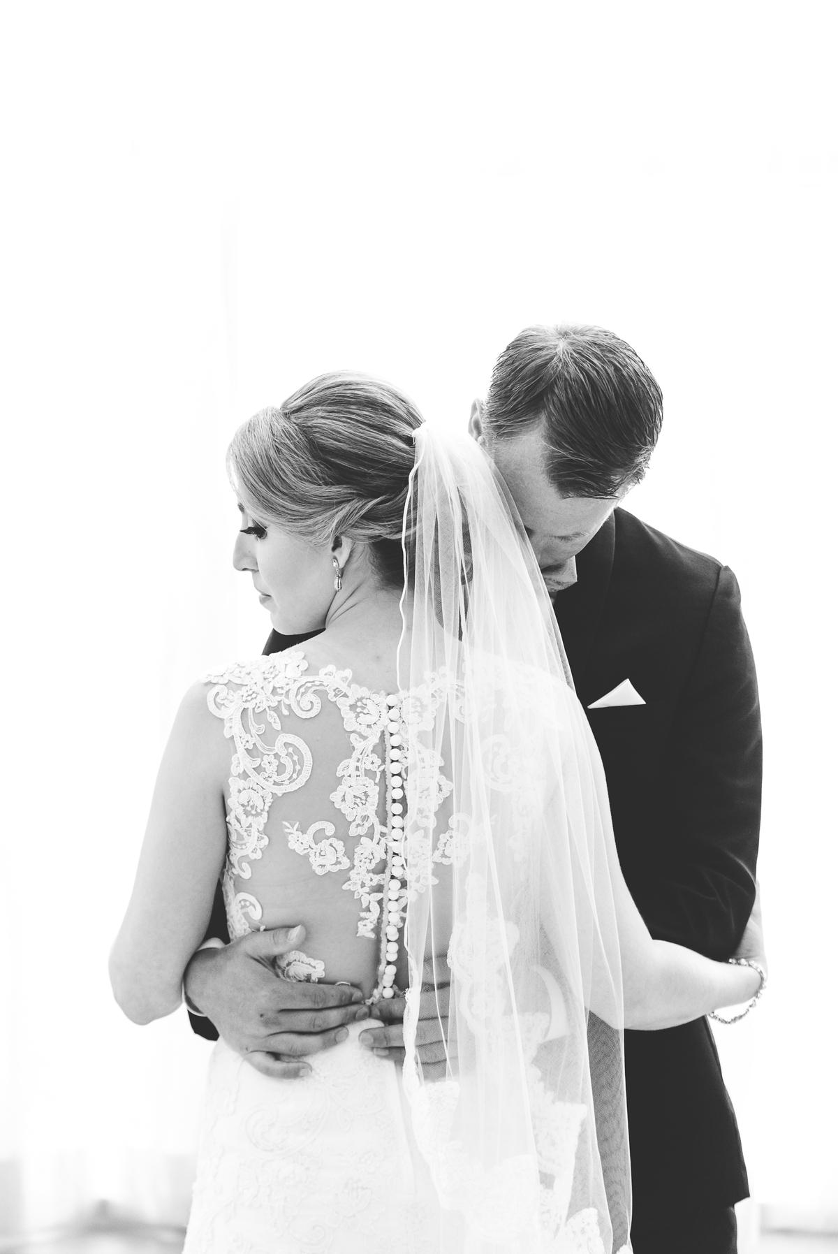 Gorgeous wedding photography at Renaissance Plantation Hotel