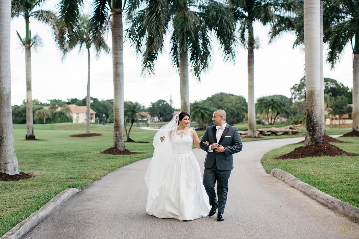 Jacaranda-Country-club-wedding-photographer-florida-venue-sonju-diana-marcos37.jpg