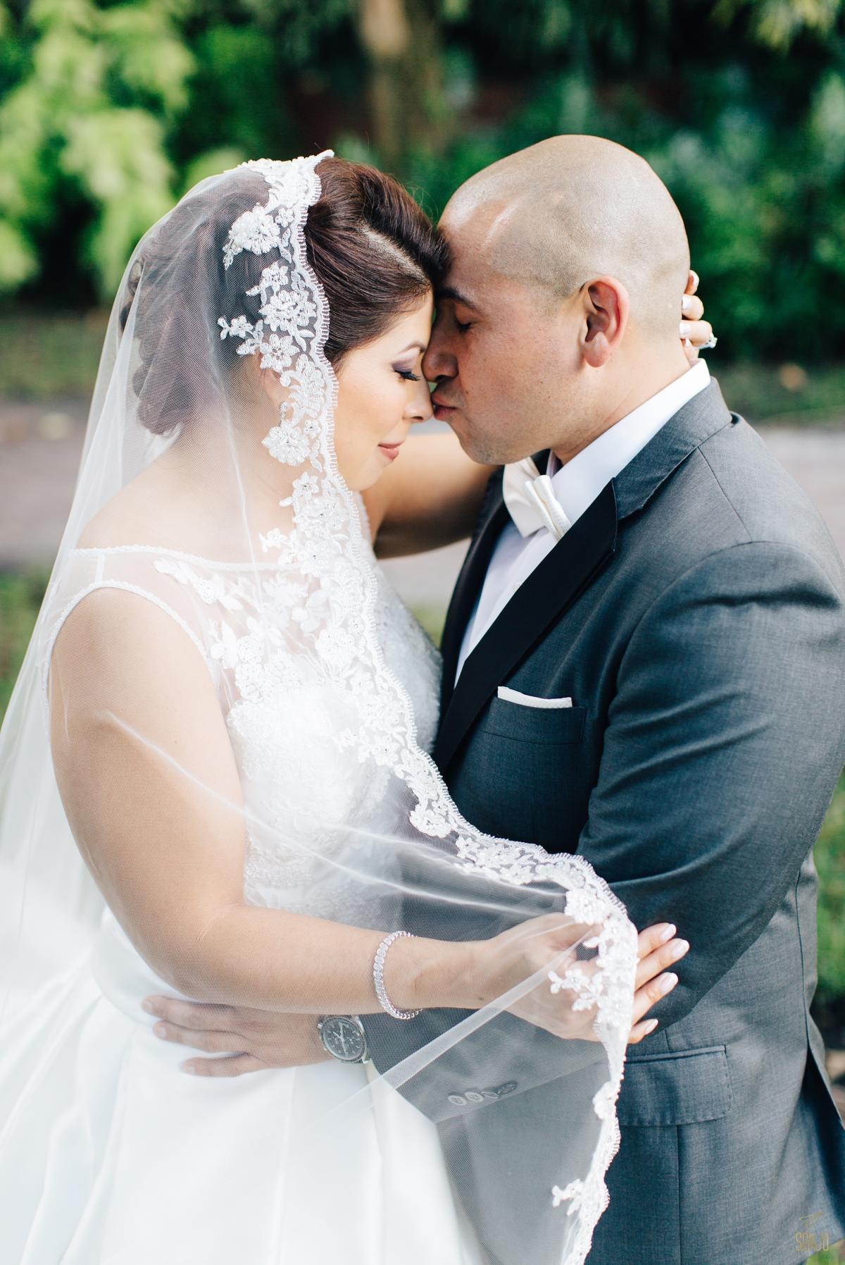Jacaranda-Country-club-wedding-photographer-florida-venue-sonju-diana-marcos38.jpg