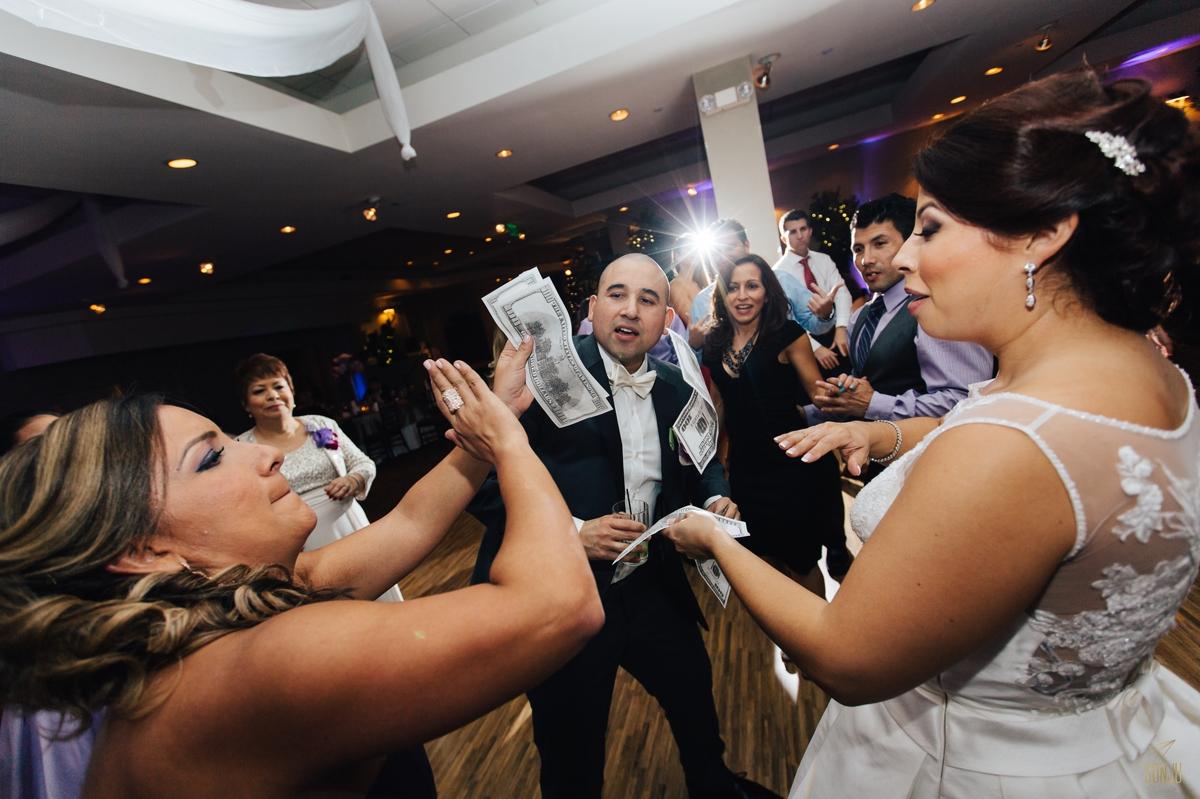 Jacaranda-Country-club-wedding-photographer-florida-venue-sonju-diana-marcos71.jpg
