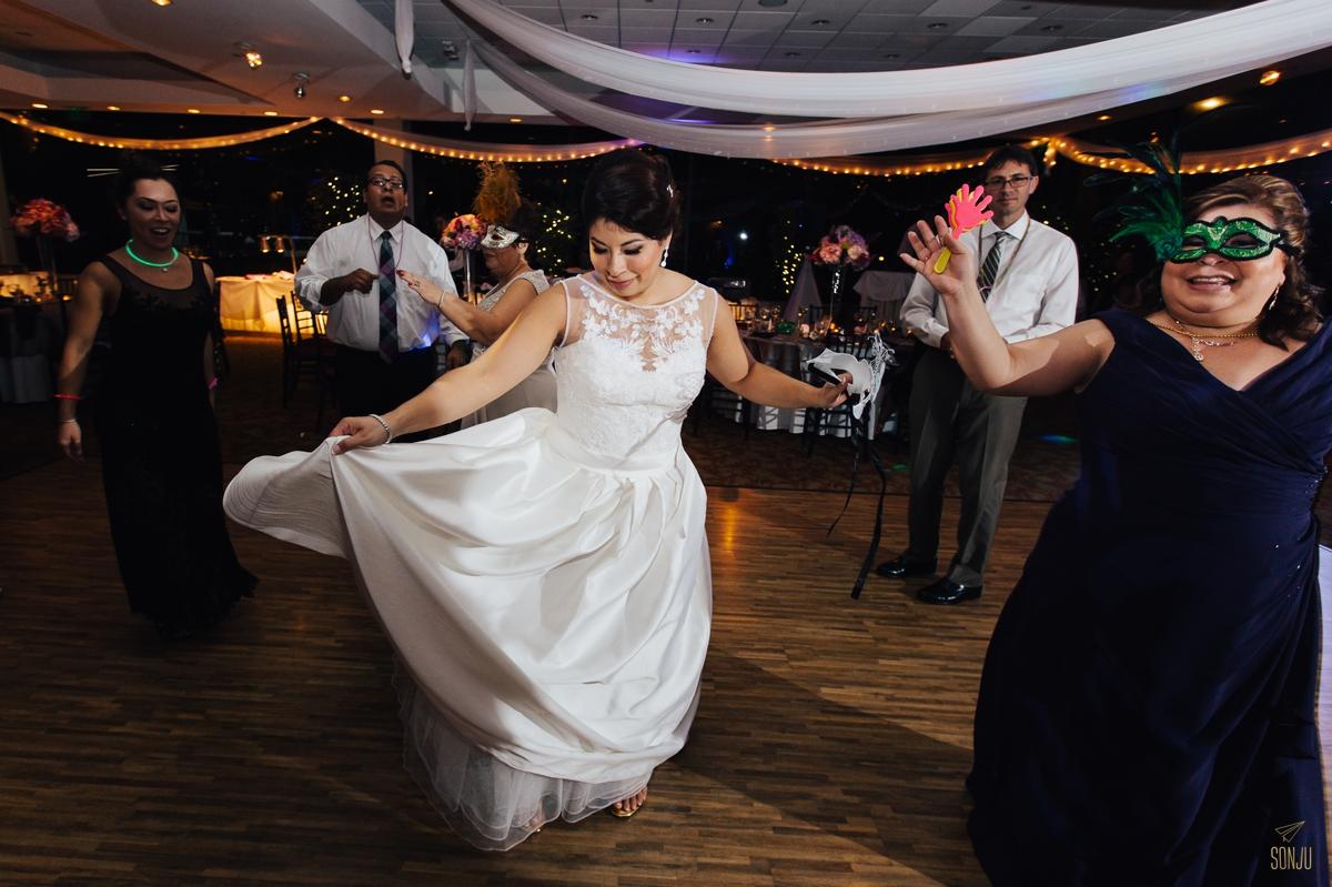 Jacaranda-Country-club-wedding-photographer-florida-venue-sonju-diana-marcos82.jpg