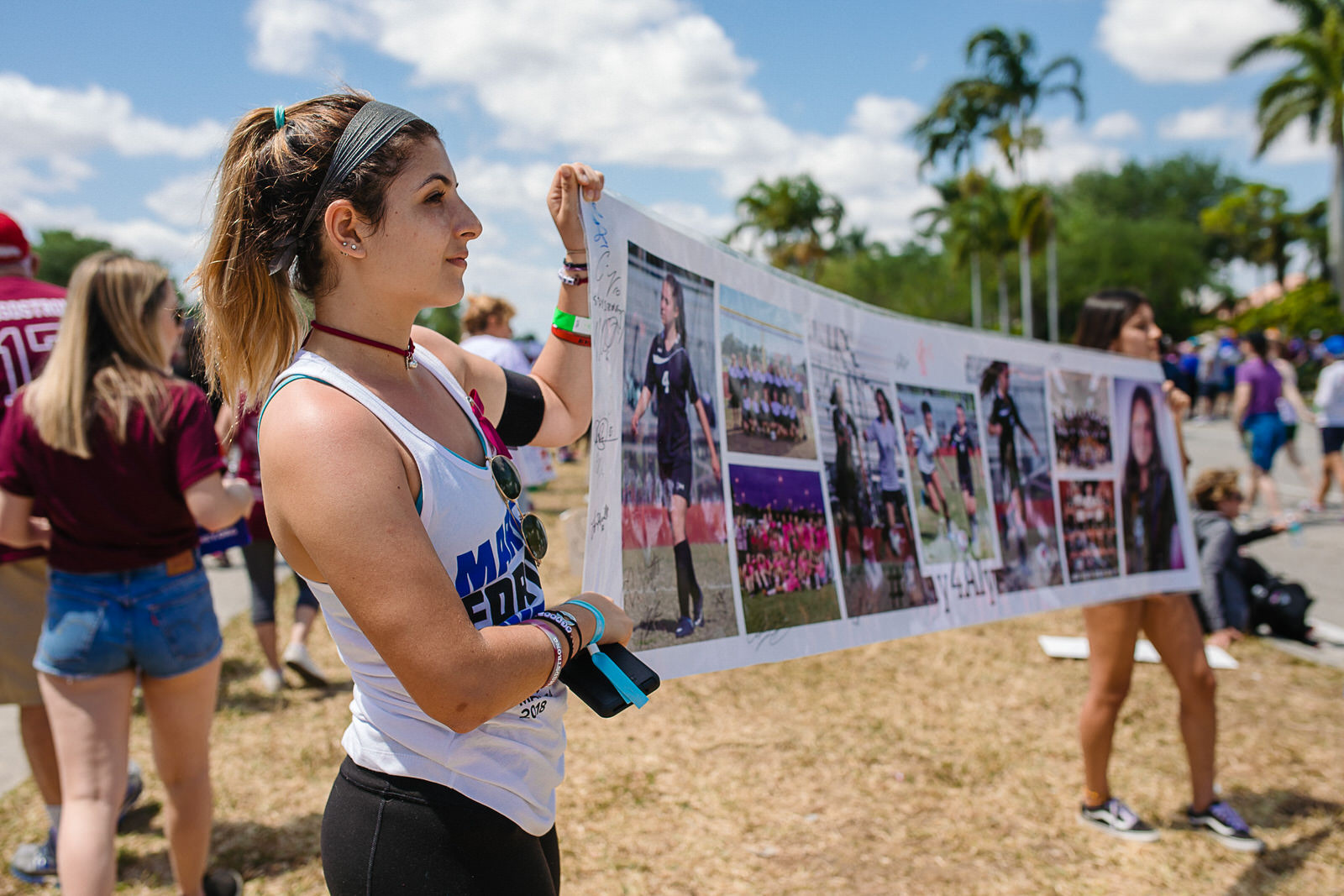 march-for-our-lives-parkland-florida-teammates-hold-poster