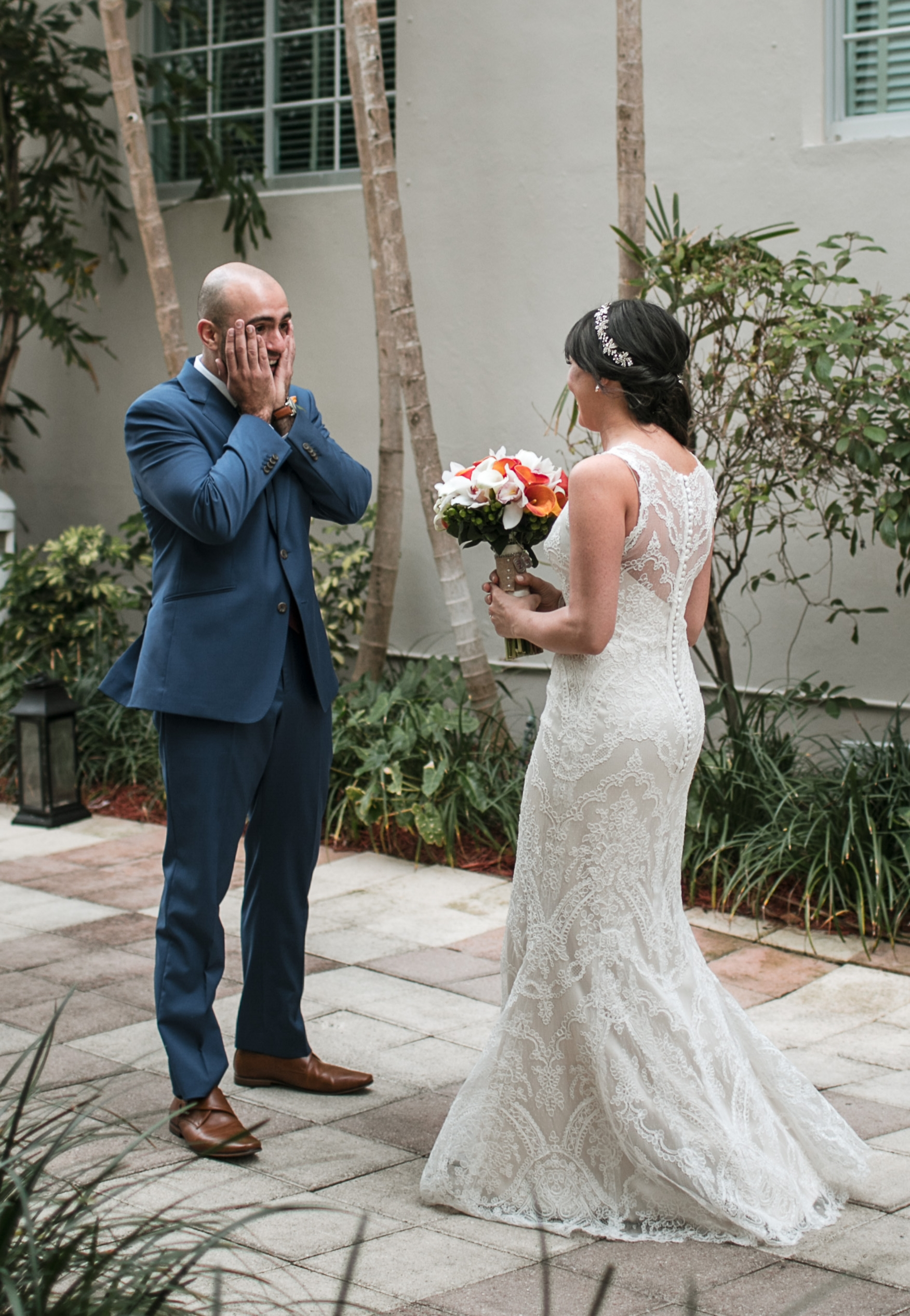 Kimpton-Surfcomber-wedding-first-look-photographer.jpg