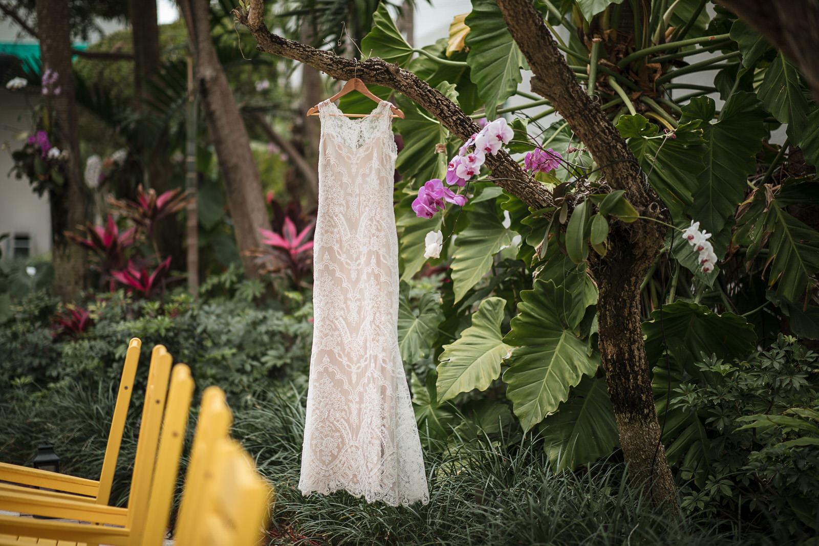 Kimpton-Miami-Hotel-Surfcomber-Wedding-Photographer