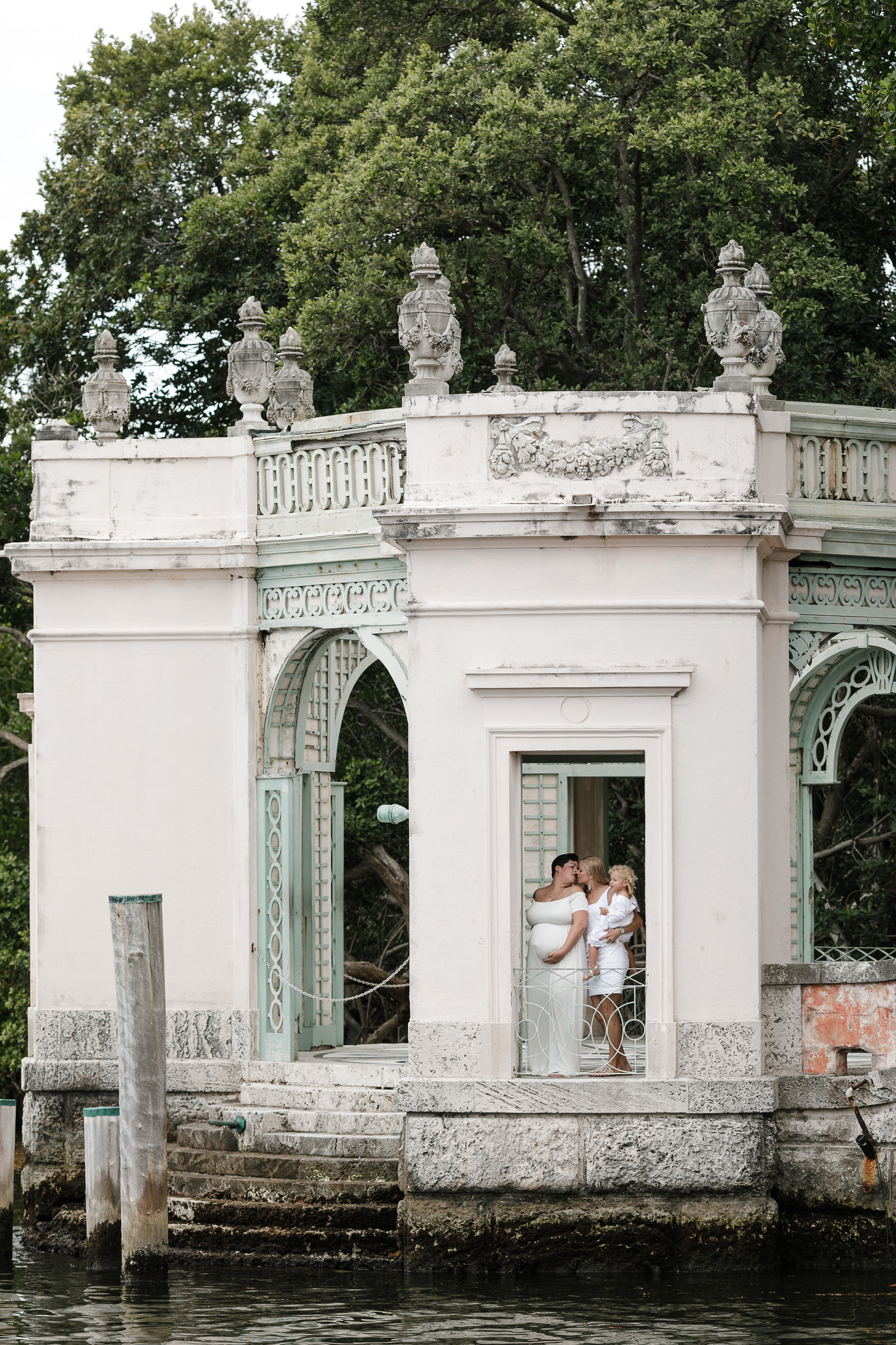 Vizcaya-maternity-session-miami-florida-photographer