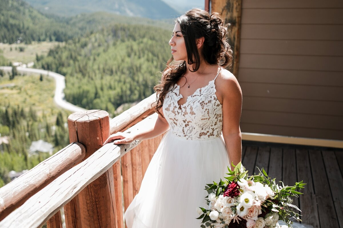 Bridal-portrait-at-Lodge-at-Breckenridge-Wedding-photographer