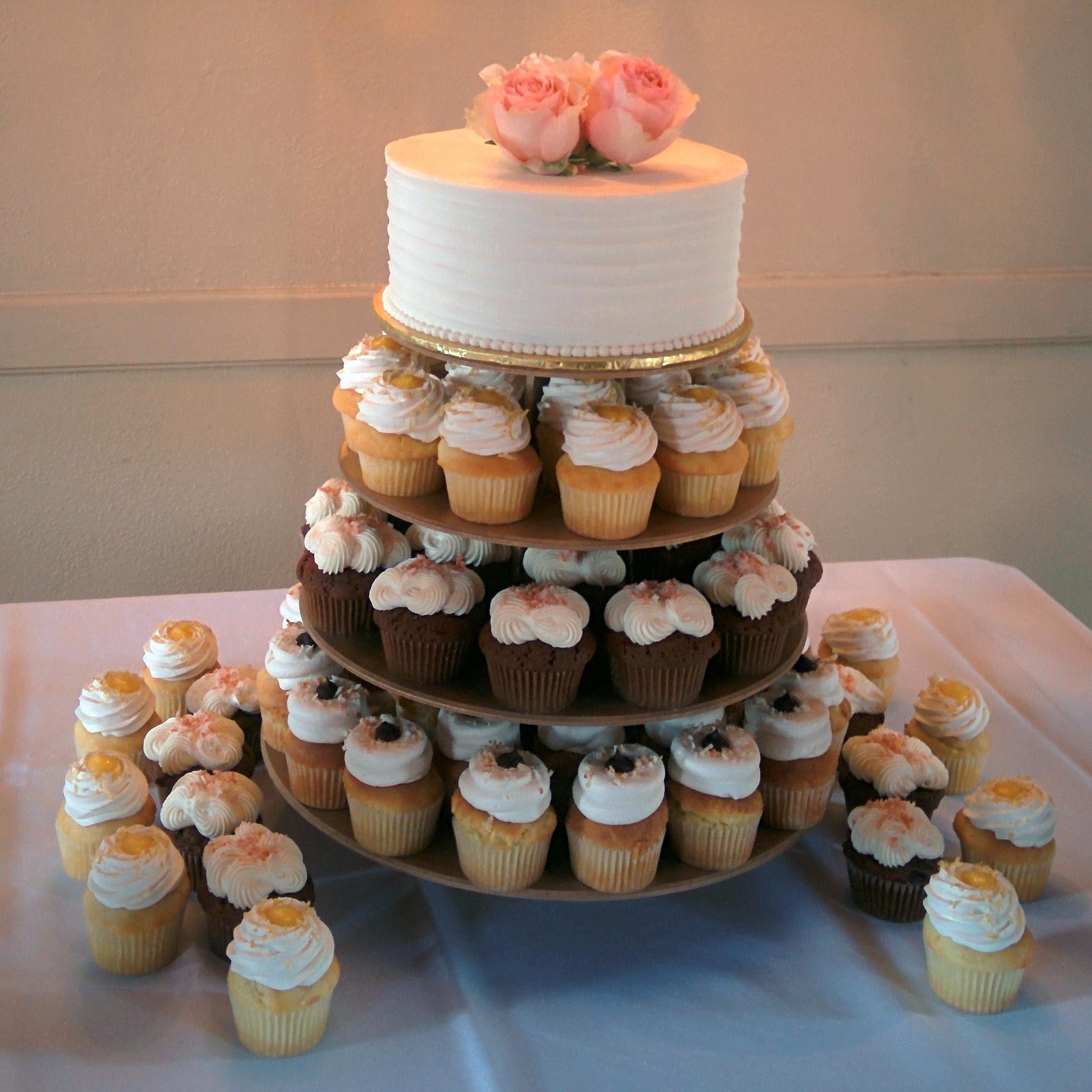 Cake_Cupcake_Wedding_Crop copy.jpg