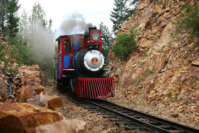 Cripple_Creek___Victor_Narrow_Gauge_Railroad_-_Credit_VisitCOSDOTcom.jpg