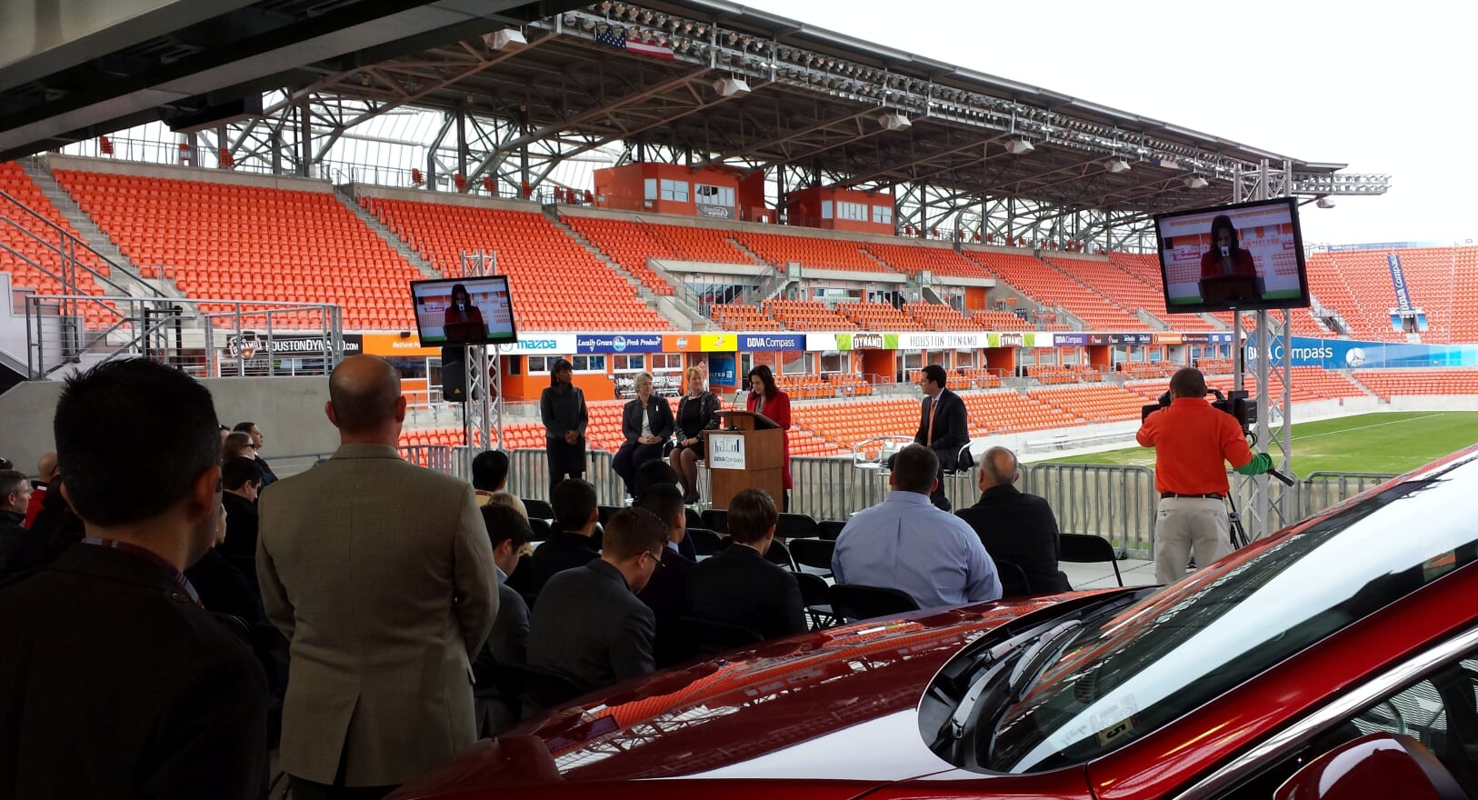 Live Camera TV's_Press Conference_BBVA Compass Stadium_Anise Parker.jpg