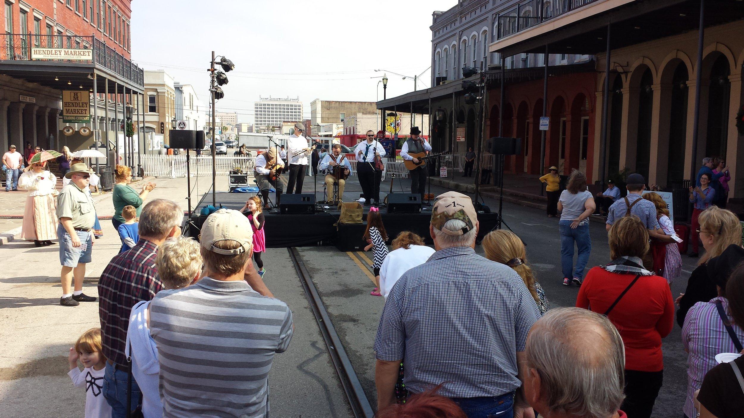 12-6-14 Dickens on the Strand - Galveston.jpg