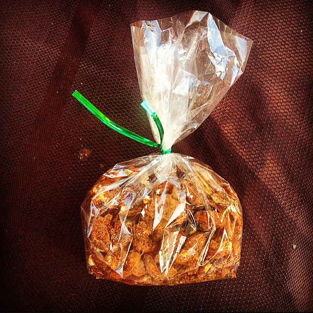Start your holiday shopping early with some delicious spiced nuts at #moneybowl booth at the last Moreland farmers market today until 7! #morelandfarmersmarket #portlandfarmersmarket #pdxfarmersmarket #portlandeats #pdxfood #portlandlocal #pdx #portland #portlandia