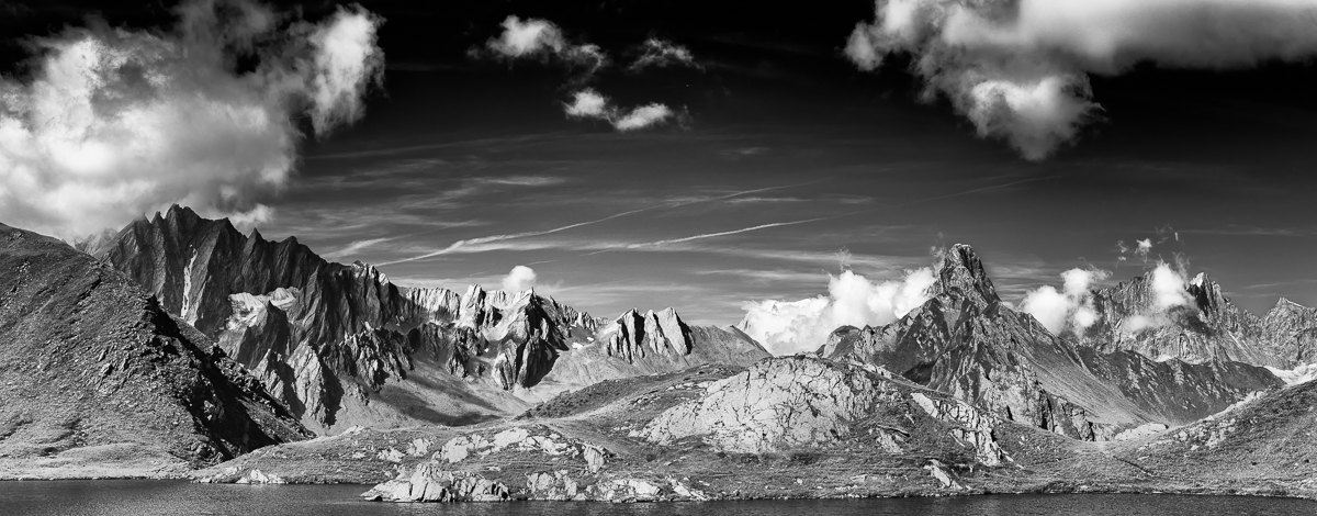 Valais Pano, Switzerland - Nikon D810 | Nikon 24-70mm f/2.8 | 1/400 at f/9 66mm ISO 250 | 6 shot panoramic