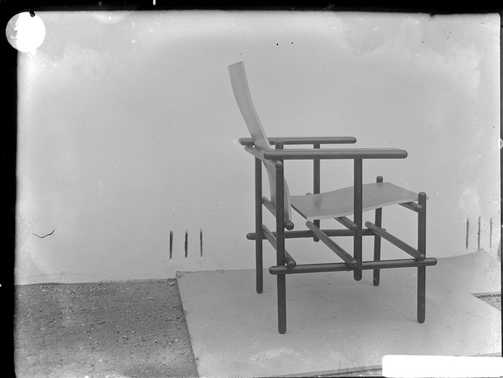 The Red & Blue Chair in an early photograph