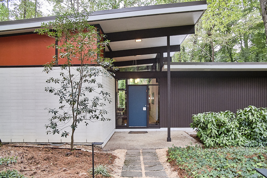 """The """"Wright Stuff"""" in Duke Forest, Durham   Listed by Chloe Seymore of REDCollective"""