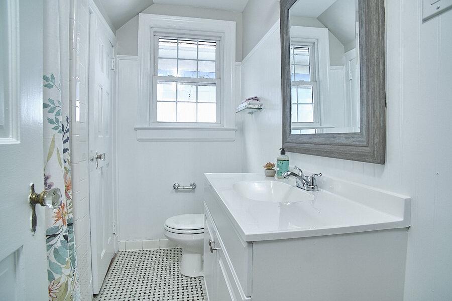 023 Bath2.jpg