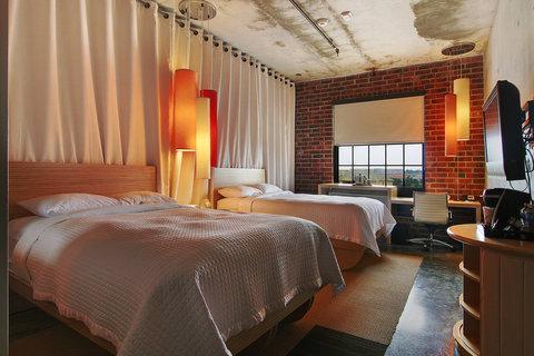 2241284-NYLO-Dallas-Las-Colinas-Guest-Room-2-DEF.jpg