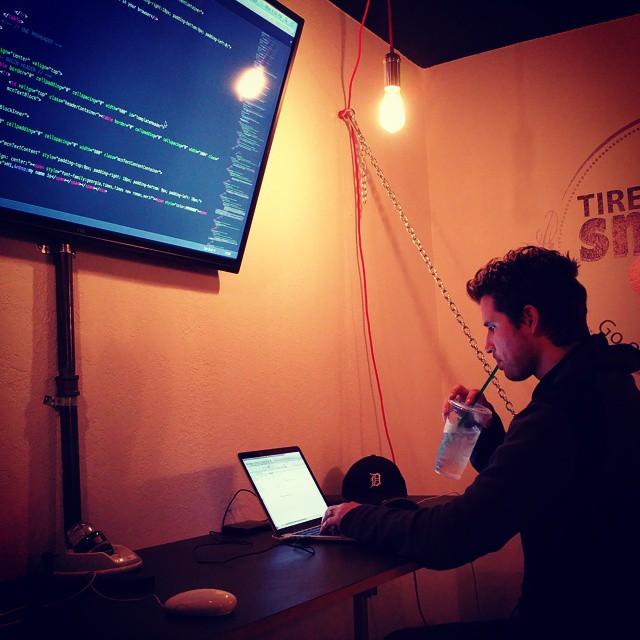 Hydrated coding. @beazerman 🐷 🐷 🐷 🐷 🐷 🐷 🐷 🐷 🐷 🐷 🐷 🐷 #tiresniffer #california #startup #coding #stayhydrated #hydratedcoding #startupoffice
