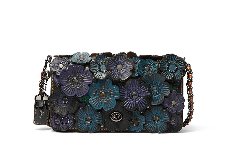 carteras coach con flores de cuero en las tendencias de la moda para comprar inline top5fashion