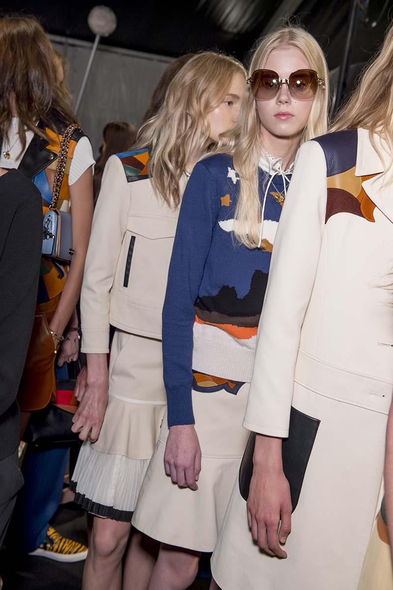 tendencias de la moda de coach colores y carteras cruzadas top5fashion