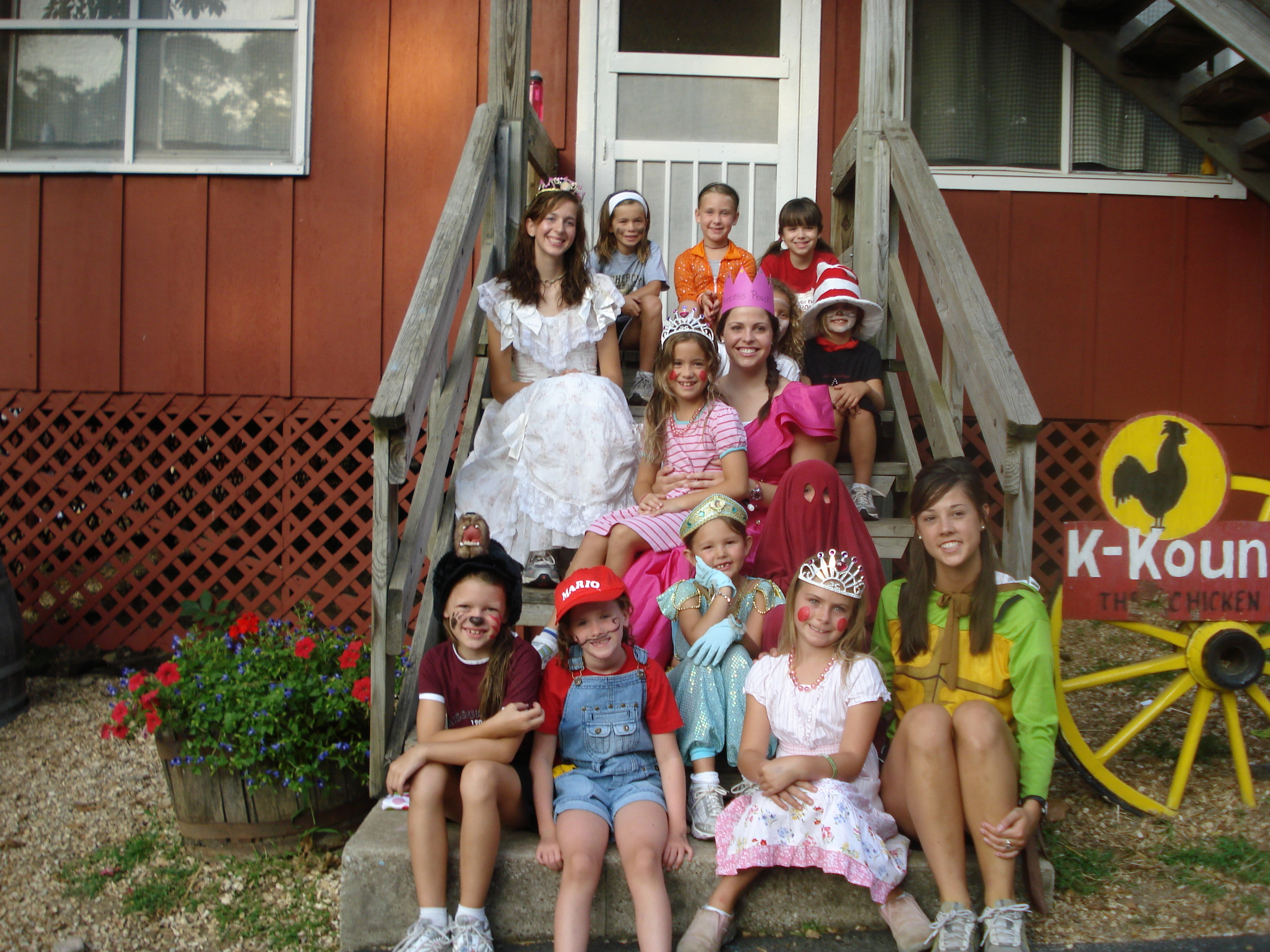 I'm the princess in pink behind Jasmine and the red ghost. :)