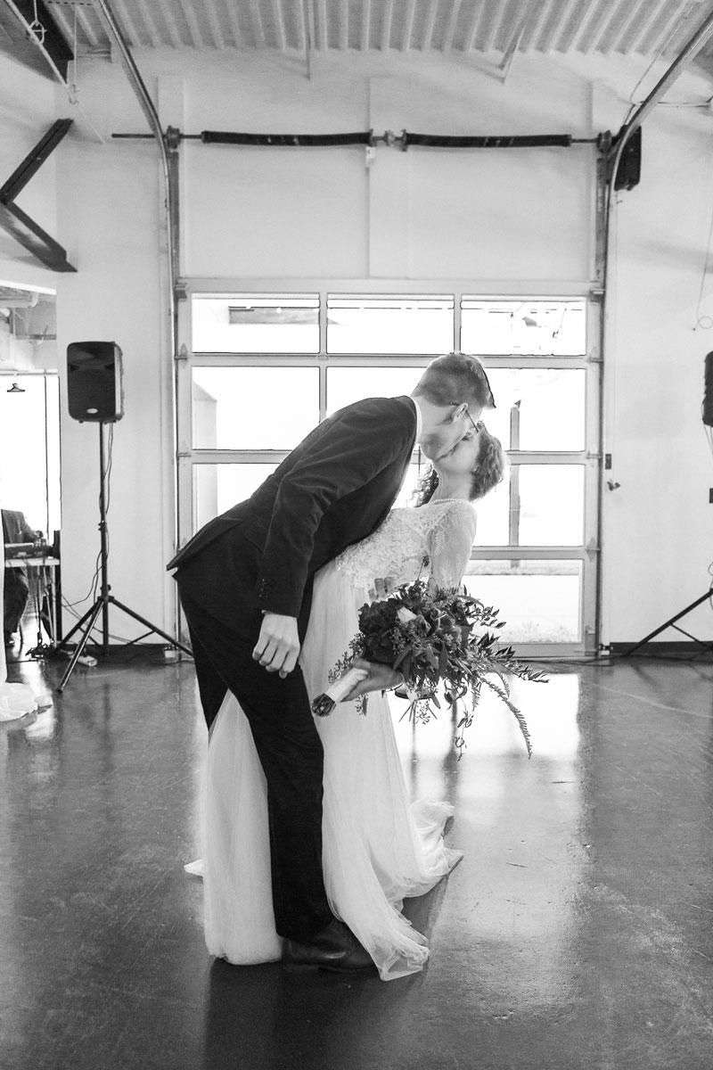 brideGroomKiss.jpg