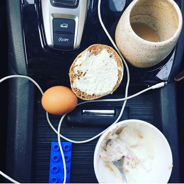 #Regram @teramatsu 's car #breakfast. This is a portrait of #modern #motherhood right here.