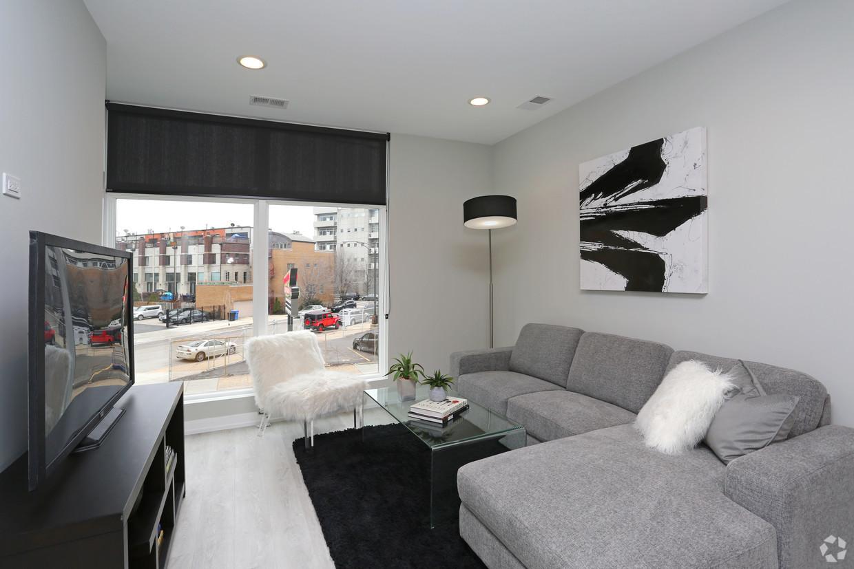 713-n-milwaukee-ave-chicago-il-2br-1ba---living-room.jpg