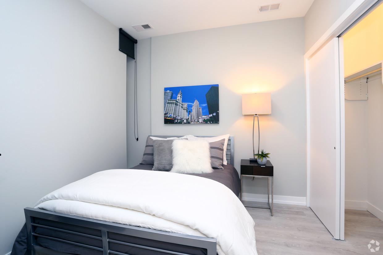 713-n-milwaukee-ave-chicago-il-2br-1ba---bedroom.jpg