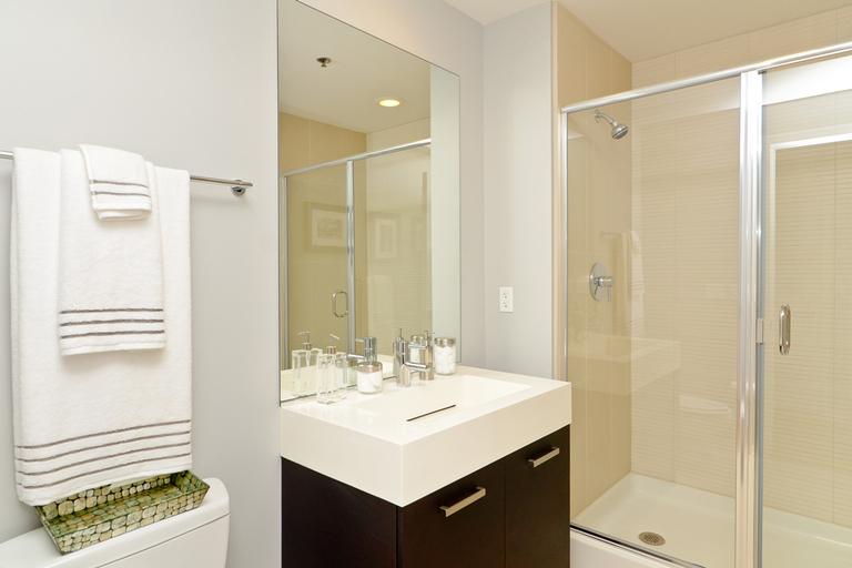 Rosey Bath2.jpg