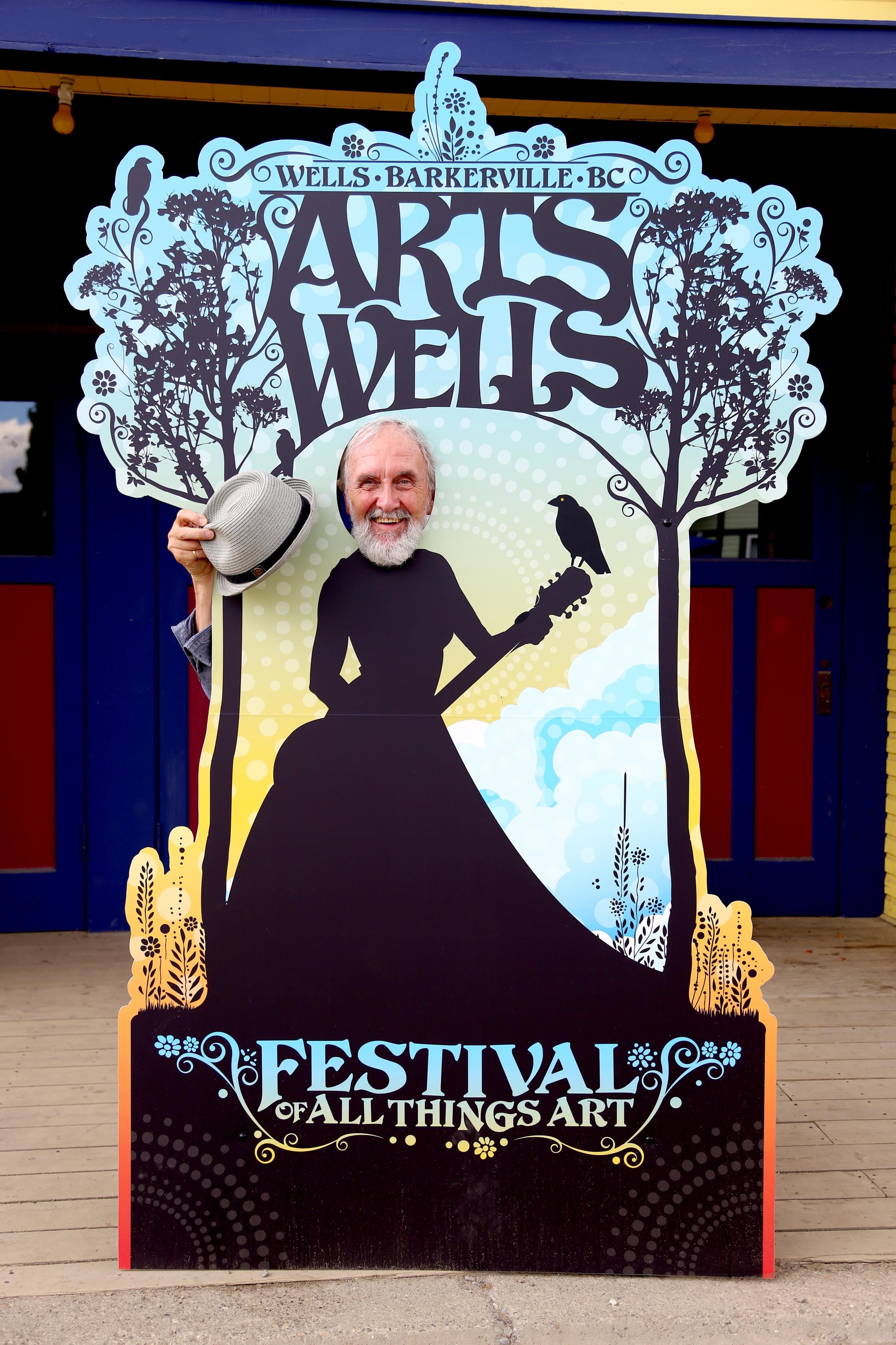 Fred Penner celebrating ArtsWells.
