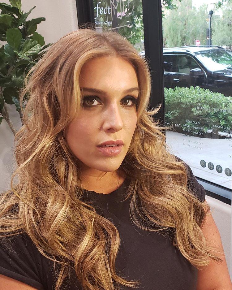 Maria Milanes - Blonde Hair Color, Beachy Waves, Valencia, Santa Clarita, UNITE Haircare