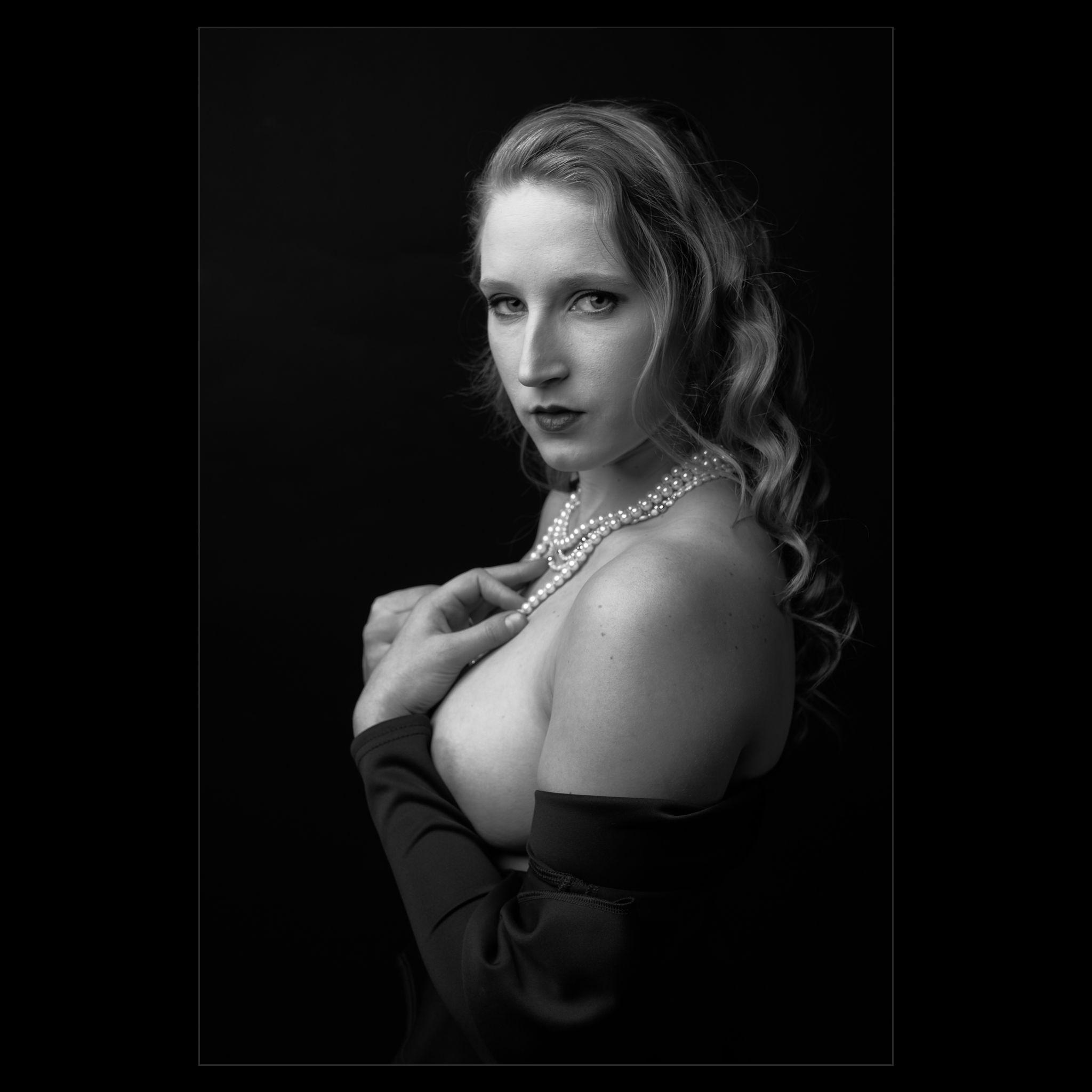 20170117 Bridget Rose - Studio-1008923-Edit.jpg