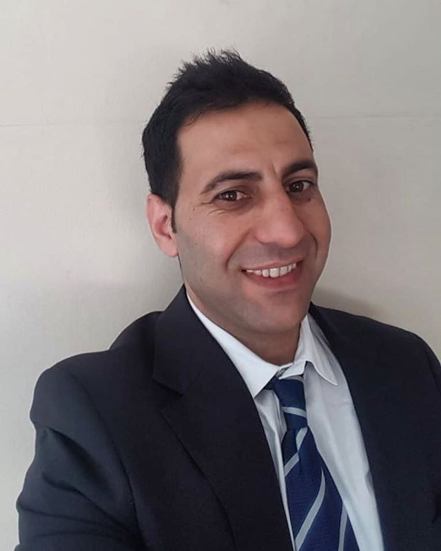 A huge congratulations to RefuAid client Will, who yesterday, began a 12 week placement at top city law firm Weil, Gotshal & Manges LLP as part of RefuAid's new placement programme!  Will, from Syria, qualified as a lawyer from Beirut University and speaks four languages. After being forced to flee Syria he volunteered as a legal assistant whilst stuck in Erbil refugee camp. As the situation deteriorated Will left and arrived seeking safety in the UK.  Before joining the programme Will was stuck working in Pizza Hut for just a few hours a week unable to cover the cost of requalifying. RefuAid are incredibly grateful to be able to support Will into his first legal work placement in the UK and are excited to see how his career grows!  A huge thank you to our placement partners @weilgotshal without whom this would not be possible.  #weareone