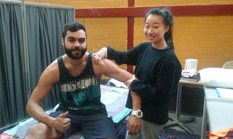 hands-on-health-australia-chiro-team-indigenous-footy-team.jpg