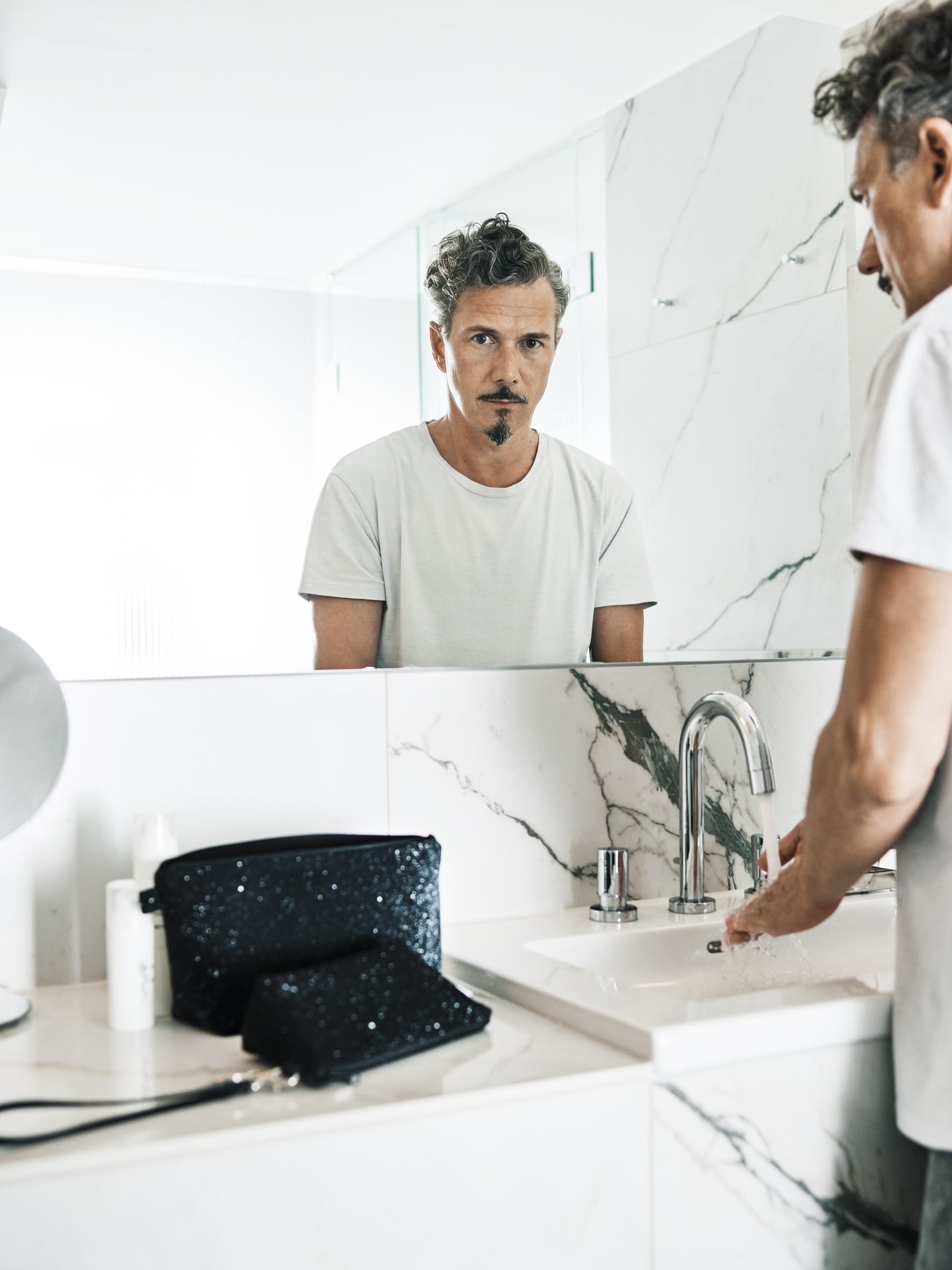 SAIDTHEFOX-magazine-peter-kruder-washbags